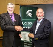 Mittelbach receives Outstanding Faculty Award