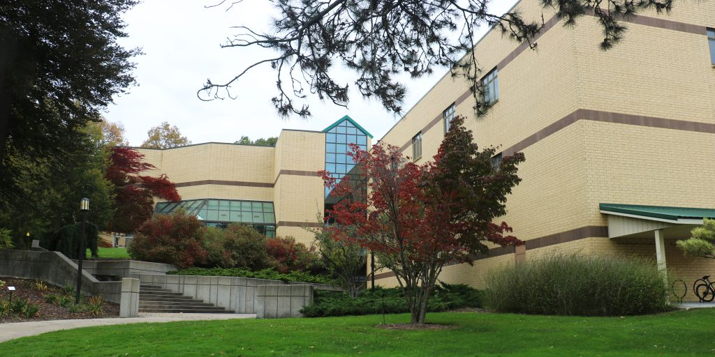 Autumn view of the Academic Building at the W.K. Kellogg Biological Station.